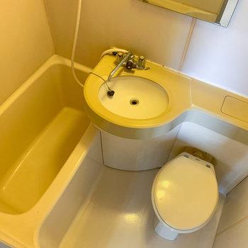 お風呂は3点ユニットです。※写真は3階の同間取り別部屋のものです