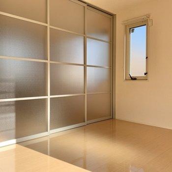 【LDK】スライド式の扉で空間を分けることもできます