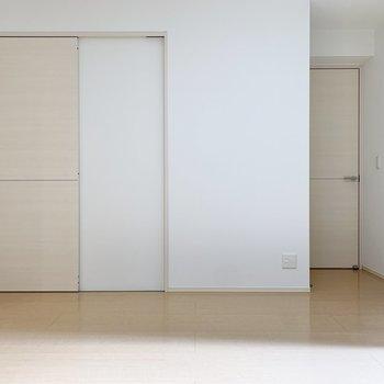 【LDK】脱衣所は正面の扉から