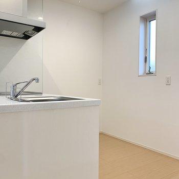 キッチンはスペース広め