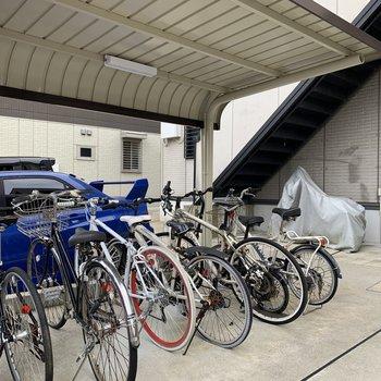 駐輪場やバイク置き場、