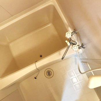 お風呂がしっかり独立しているのは嬉しいな。(※写真は2階の同間取り別部屋のものです)