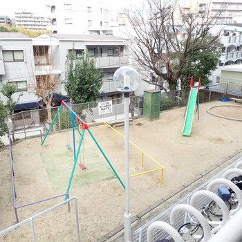 洋室9帖】窓からは公園が見えます!