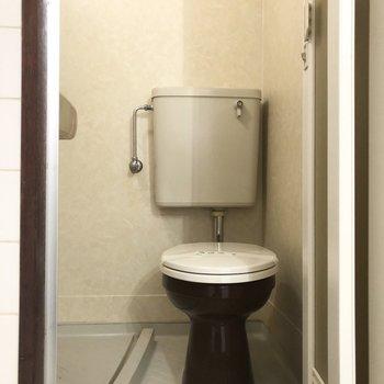 おトイレとシャワーは一緒の空間に。