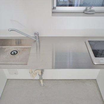 一口ですが調理スペースは広め。※写真は、同タイプの別部屋