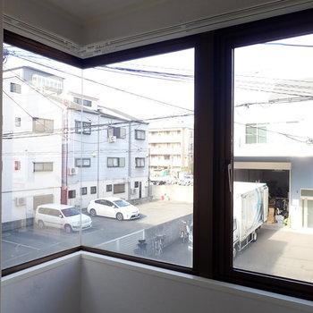 角も窓だと広く感じます!
