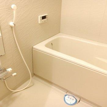お風呂には追い炊きもついてます◎(※写真は12階の同間取り別部屋のものです)