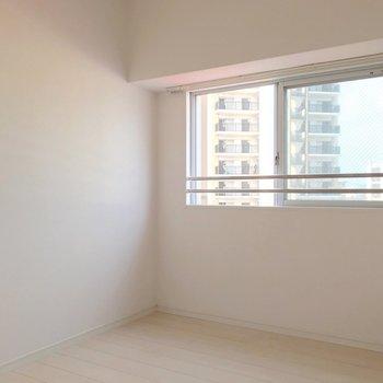 3.5帖。寝室にするだけならダブルベッドも置けますよ!(※写真は7階の同間取り別部屋のものです)
