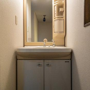 【和室横洗面台】
