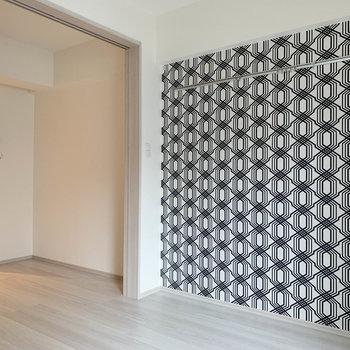 和の雰囲気のクロスがキュート※写真は3階の同間取り別部屋のものです