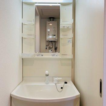 シンプル洗面台