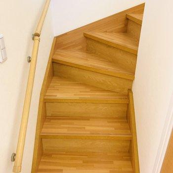 階段を登って2階のスペースへ。