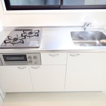 調理スペースのある2口ガスコンロです