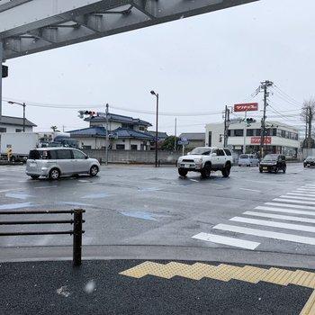 駅前は芋窪街道