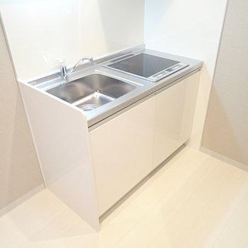 キッチンまわりはゆとりがあります!冷蔵庫、収納を置けますよ。