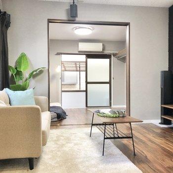 【LDK】ソファにローテーブルがよくフィットするお部屋。