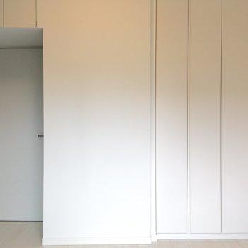 収納もしっかりついてますよ。※写真は3階の同間取り別部屋のものです