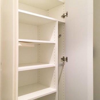 シューズボックスは横幅広めで、ゆとりがあります。※写真は3階の同間取り別部屋のものです