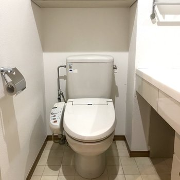 トイレ周りは、こまめに掃除するのがオススメですよ。