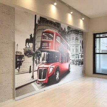 ロンドンの2階建バスが走ってます!