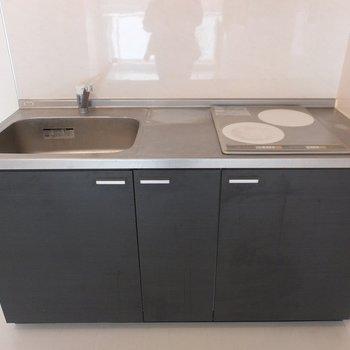 キッチンはIHですが、シンクが大きくて使いやすそうです。※写真は4階の同間取り別部屋のものです