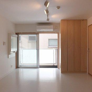 角部屋で明るいお部屋!※写真は4階の同間取り別部屋のものです