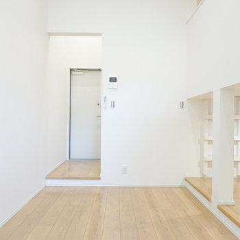 家具が置きやすい、縦長の空間です。(※写真は1階の同間取り別部屋のものです)