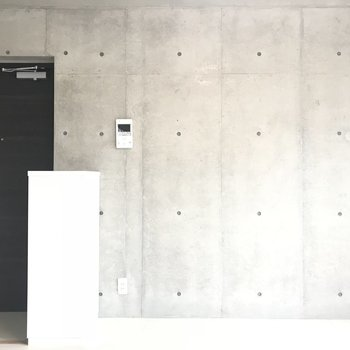 モニターもありますよ※写真は3階の同間取り別部屋のものです