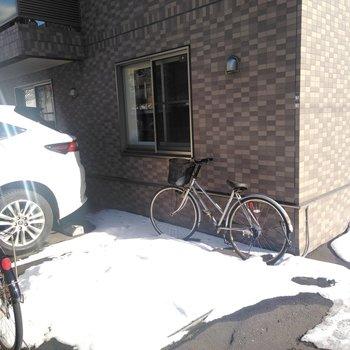 駐輪場は屋外