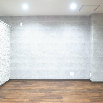【LDK】家具はシンプルなものはもちろん、個性的な形のものでさらに特別感をアップしても!