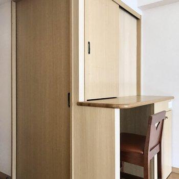 この扉をあけると・・・(※写真は2階の同間取り、別部屋のものです)