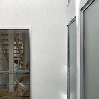 【2F】景色は向かいのお部屋です。