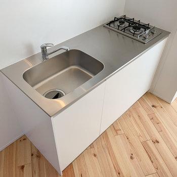 【3F】2口コンロで調理スペースもあります。