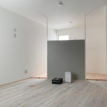 こちらは洋室。広いです◎※建築中のお部屋です