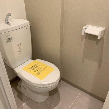おトイレはこちら※建築中のお部屋です