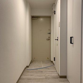 玄関には収納がたくさん※建築中のお部屋です