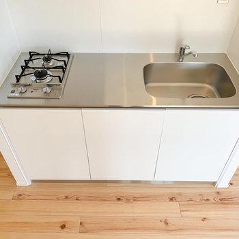 【3F】2口コンロで調理スペースも広めです!