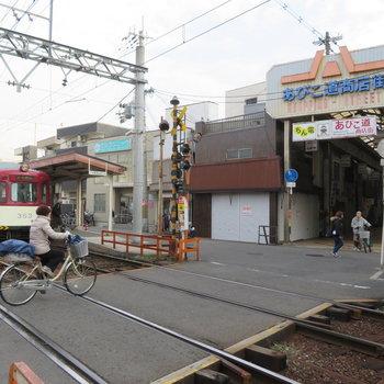 路面電車と商店街はなにか心のふるさとを感じずにいれません