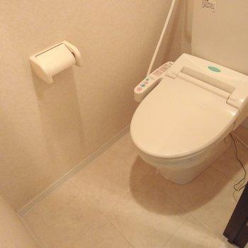 おトイレはウォッシュレット付き。