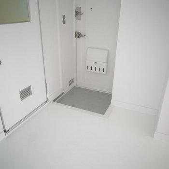 玄関の前も真っ白です。