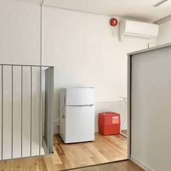 【上階LDK】キッチンは1段高くなっています。