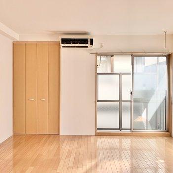 心地よい光と風が入り込んできます。※写真は2階の同間取り別部屋のものです