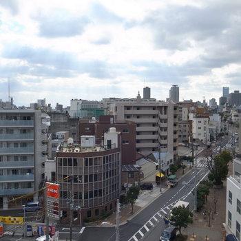 そして街並みを一望できる眺め!空を大きく近く感じることができて気持ちよかったですよ!