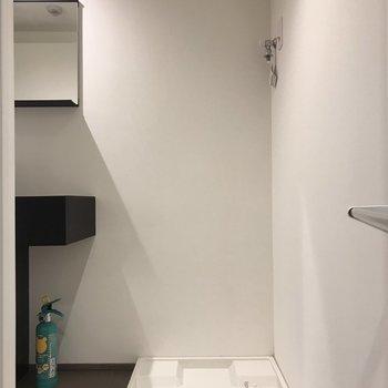 洗濯機置き場はお隣に
