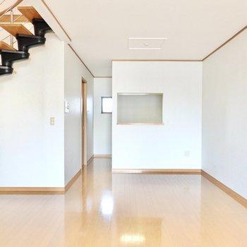 LDKは約17帖とかなり広め。ソファやダイニングテーブルなど、いつも使う家具も少し大きめを選べます◎