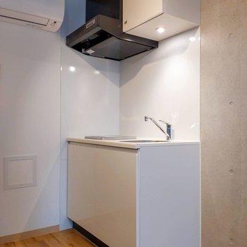 キッチンもホワイトを基調としたスタイリッシュなデザイン。※写真は前回募集時のものです