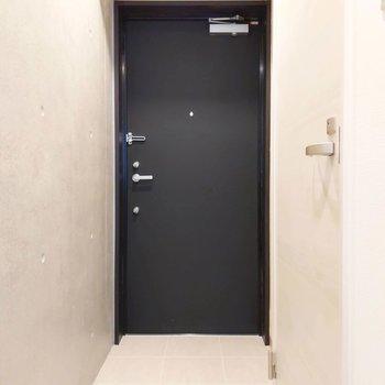 シェルフを使って、玄関もすっきりとできます。※写真は前回募集時のものです
