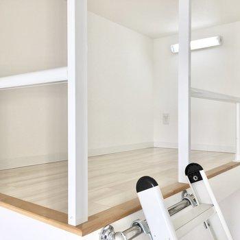 ロフトは人が寝れるくらいの広さ◎※写真は8階反転間取り・別部屋のものです。