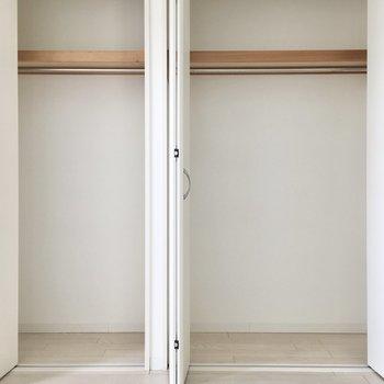 大きめのクローゼットがあるうえに、、※写真は8階反転間取り・別部屋のものです。