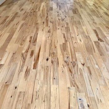 そして床は、無垢!木の温もりを感じてくださいね